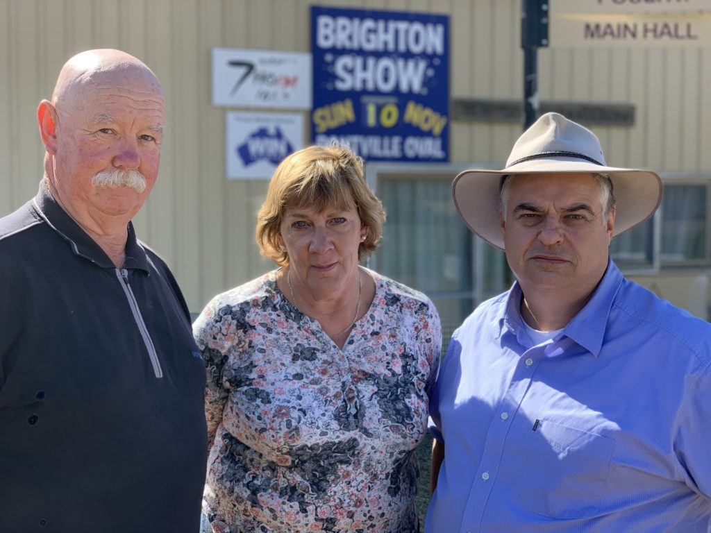 Show president Geoff Jackson with Brighton Deputy Mayor Barbara Curran and Lyons MHR Brian Mitchell.